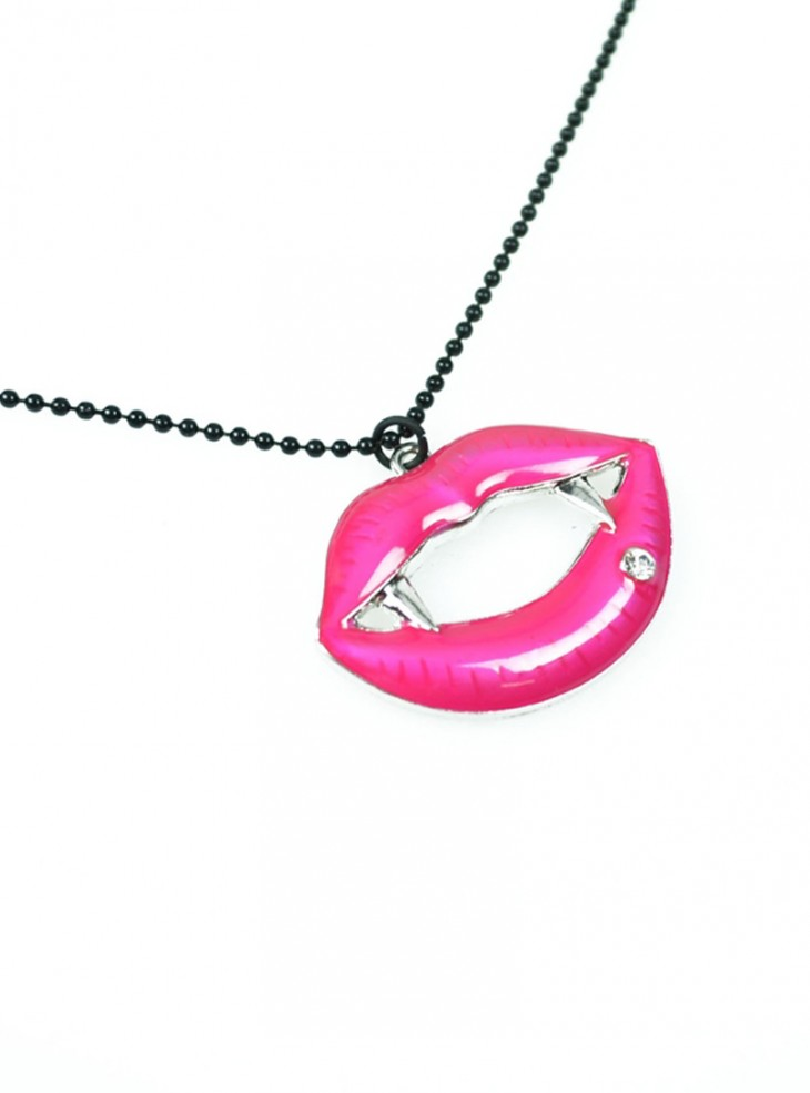 "Collier Gothique Cupcake Cult (Evil Clothing) ""Fangtastic Pink"""