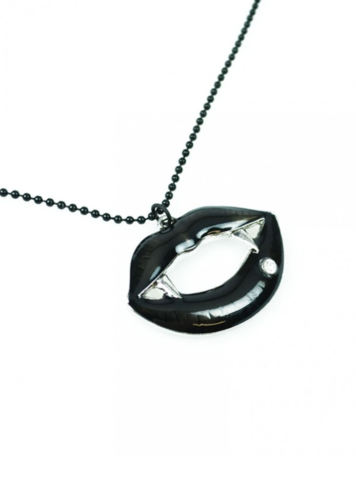 "Collier Gothique Cupcake Cult (Evil Clothing) ""Fangtastic Black"""