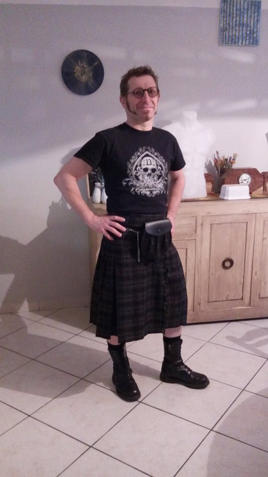 "Kilt Ecossais Homme Queen of Darkness ""Grey Tartan"""