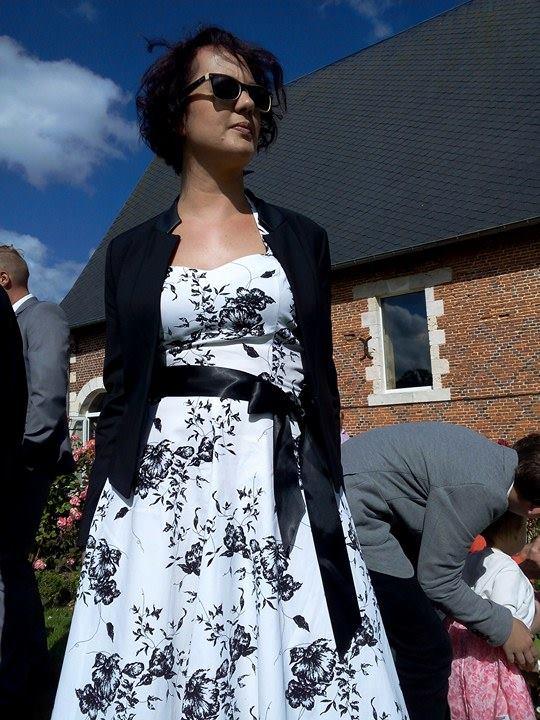 "Robe rockabilly vintage HR London ""White Black Flowers"""