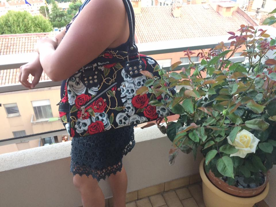 "Sac à main Rock Gothique Banned ""Skulls & Roses"""
