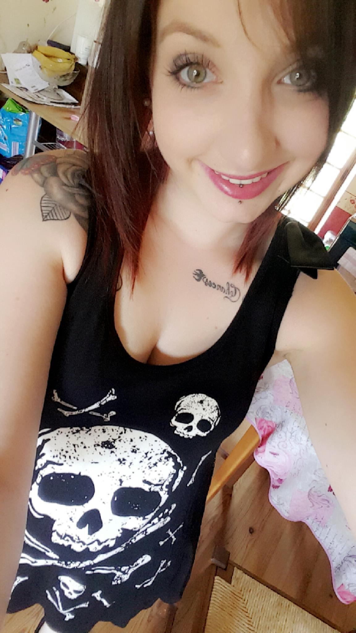 "Débardeur Rock Gothique Jawbreaker ""Skull & Crossbones"""