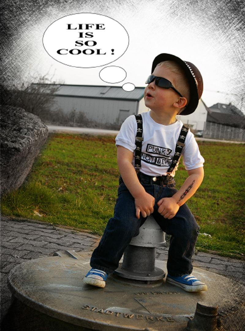 Vetement punk rock enfants chez rockangehell.com